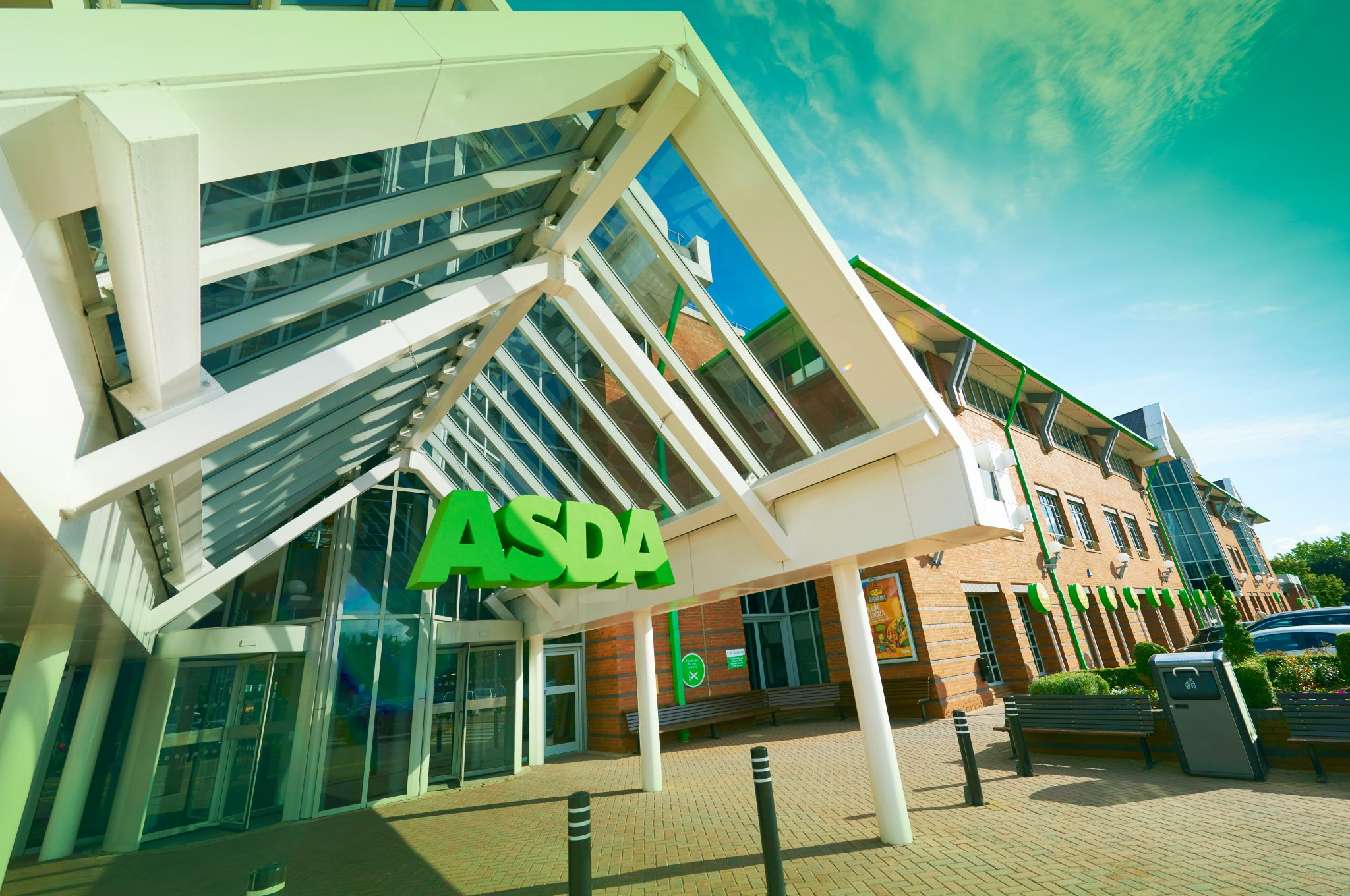 Second-hand clothing in the spotlight at Asda