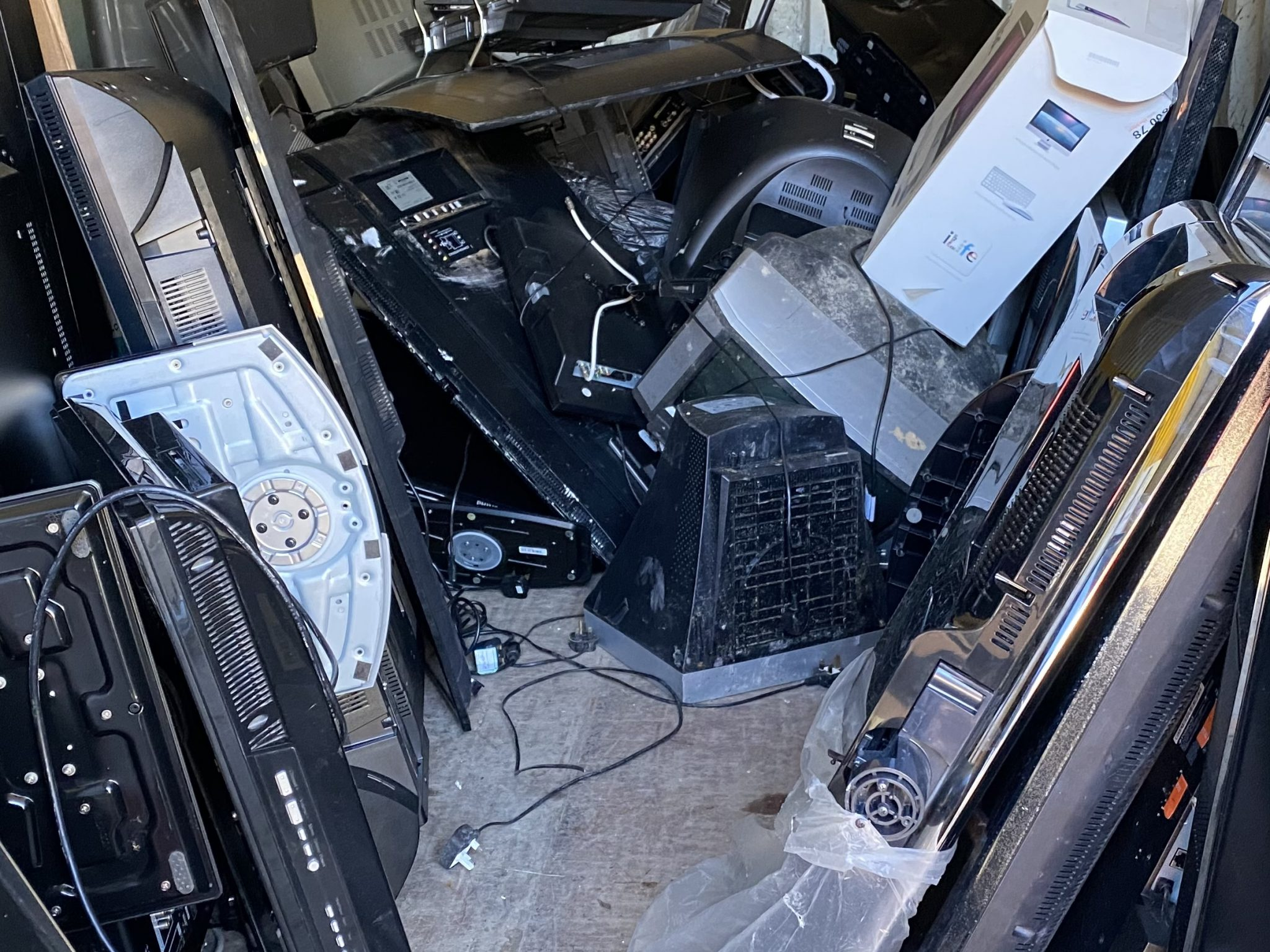 Uk government is looking to improve e-waste collection
